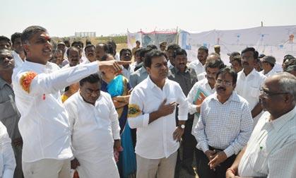 KTR, Harish Rao visit Pulkal mandal | Mission Telangana | Mission