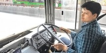 Saritha-the-first-woman-to-join-Delhi-Transport-Corporation-as-a-driver