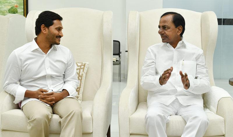 YS Jagan meets CM KCR     Mission Telangana